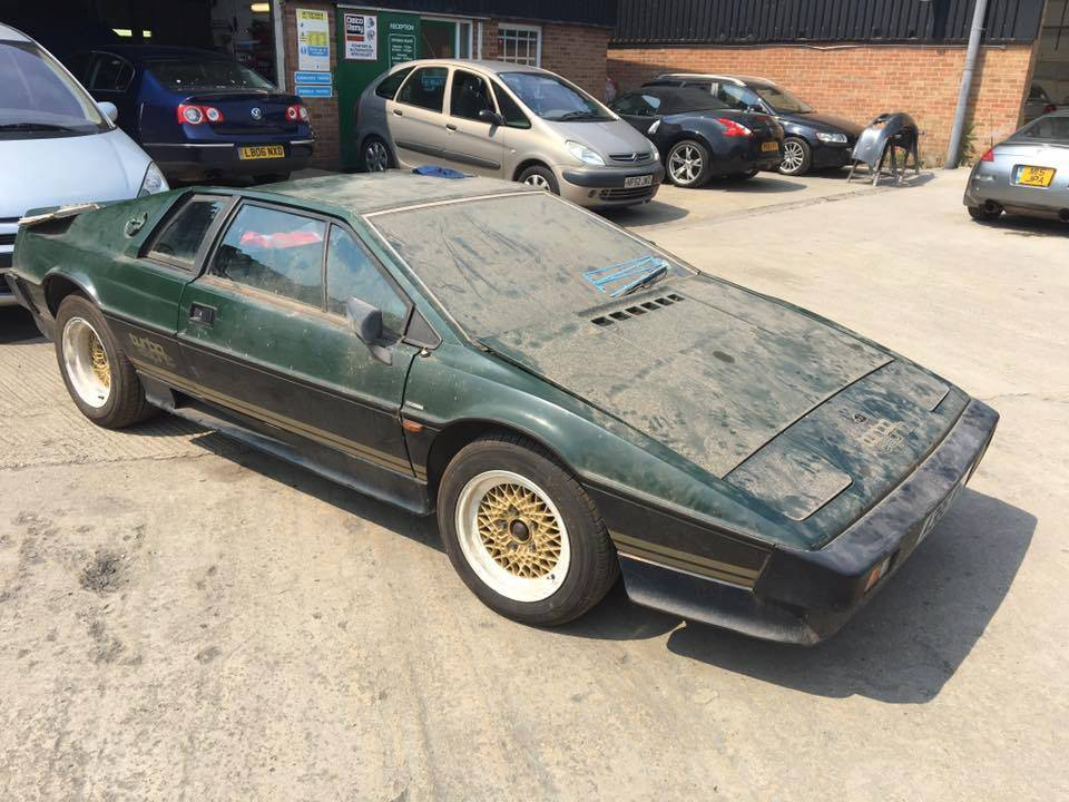 1983 Lotus Esprit Turbo 1